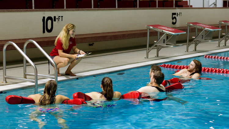 NC State students taking a Health and Water Safety course with Wellness and Recreation